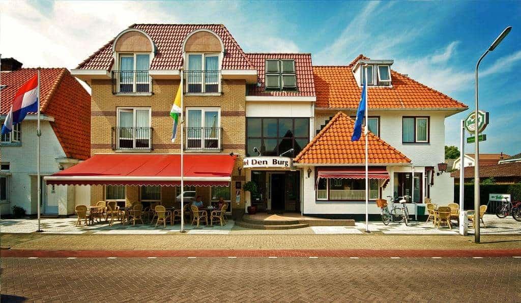 Hotel-Brasserie met woning in Den Burg (Texel)