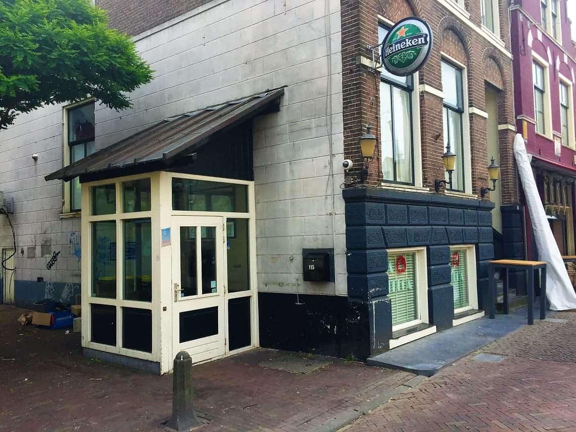 Bar op de Platte stenenbrug in Alkmaar