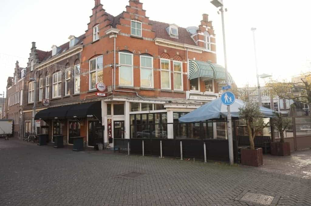 Café-proeflokaal aan het uitgaansplein Zaandam